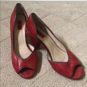 Miz Mooz read leather heel